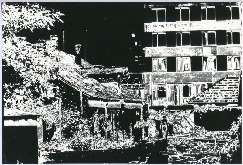 cca 1981 Bordács Ferenc: Az új felé című, feliratozott vintage fotóművészeti alkotása, a magyar fotográfia avantgarde korszakából, 16,3x24 cm