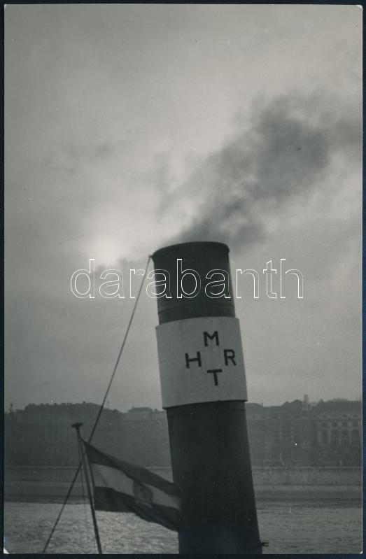 cca 1953 Dr. Sevcsik Jenő (1899-1996) hagyatékából 1 db jelzés nélküli vintage fotó, 13,9x9 cm