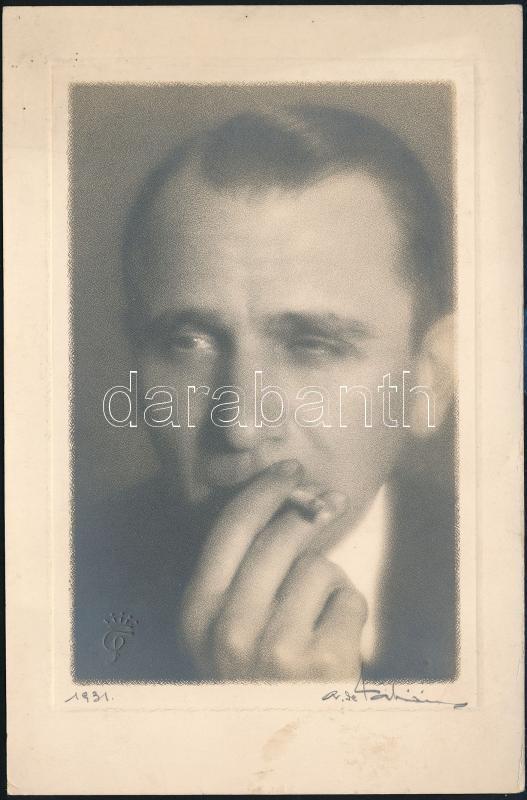 1931 Temesvár, Felső-őri Fábián Sándor fényképész műtermében készült, aláírt, pecséttel jelzett vintage fotó, művészfóliával rézkarc hatást keltve, 18x11,9 cm