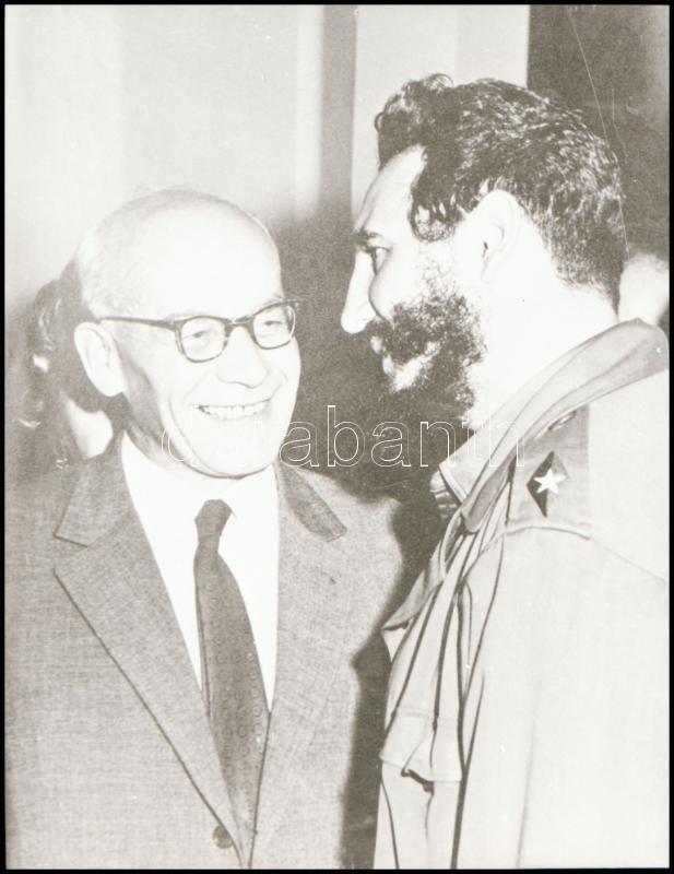 cca 1964 Fidel Castro (1926-2016) kubai forradalmár, politikus, államelnök, 1 db NEGATÍV, 6x4,5 cm