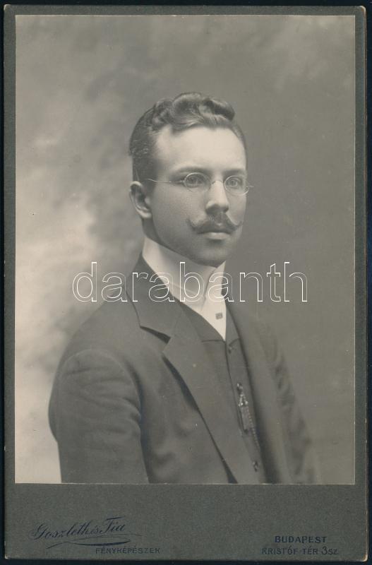 cca 1905 Budapest, Goszleth István (1850-1913) budapesti fényképész műtermében készült, keményhátú, vintage fotó, 16,6x10,8 cm