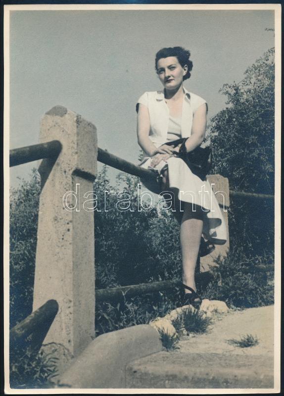 cca 1958 Budapest, kézi színezésű fénykép, 23,5x17 cm