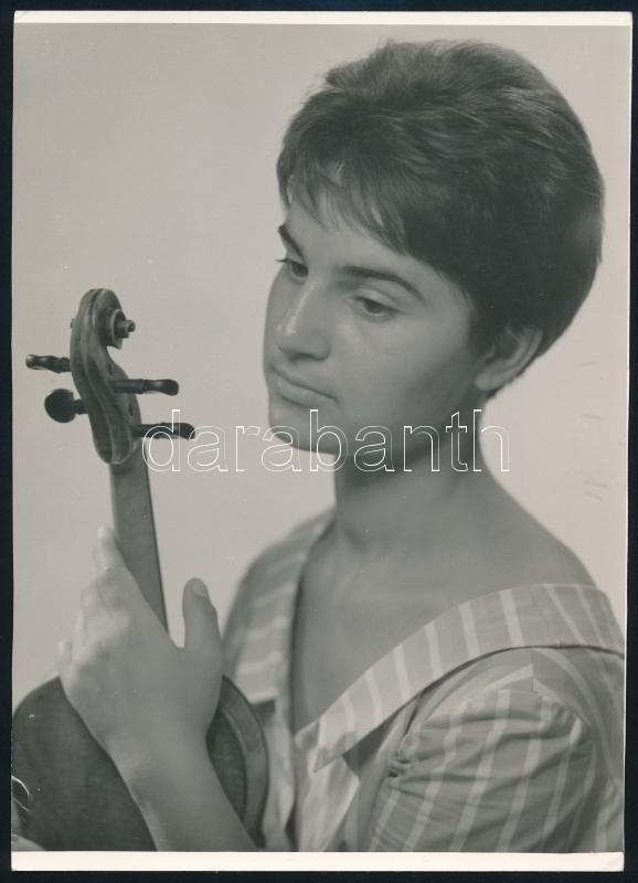 cca 1960 Szöllősy Kálmán (1887-1976) budapesti fényképész és fotóművész hagyatékából, pecséttel jelzett vintage fotó, 18x13 cm