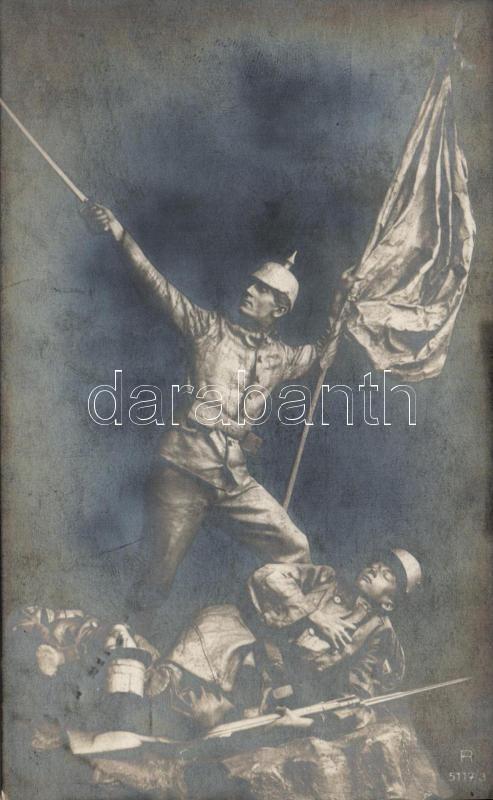 World War I battle scene, triumphant German soldier with the fallen French soldiers, I. világháborús csatajelent, német katona az elesett franciák fölött