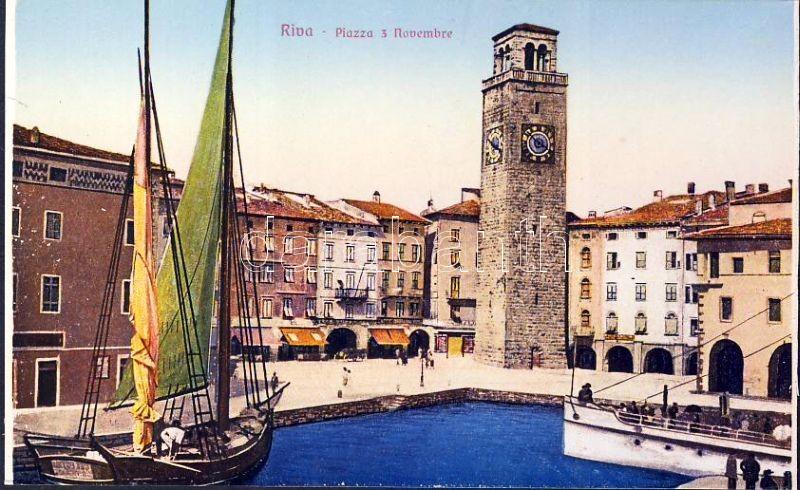 Riva del Garda, Piazza 3 Novembre /square, ship, tower