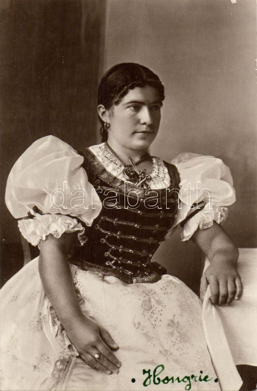 Hungarian folklore from Szeged, Magyar folklór, Szegedi parasztlány