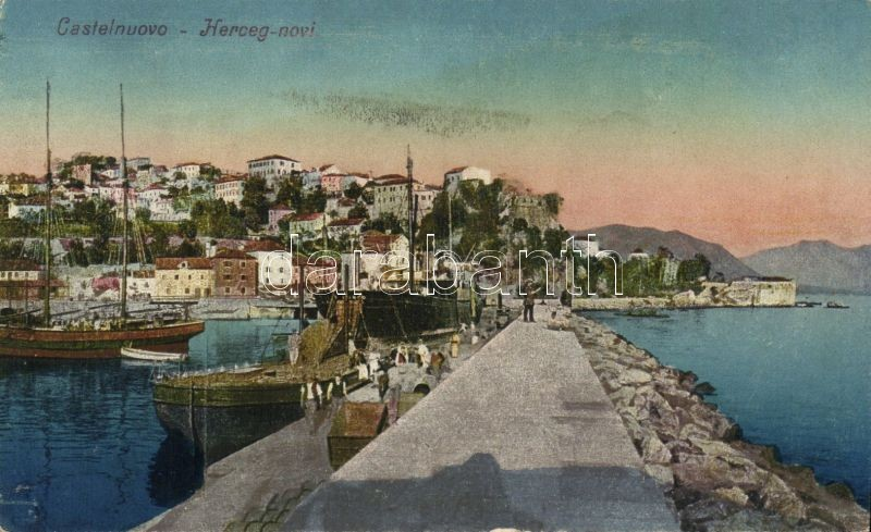 Herceg Novi, Castelnuovo; molo, ships