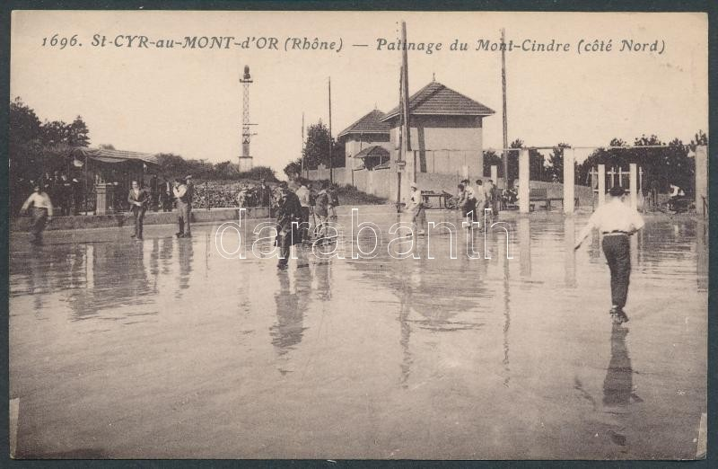 Saint-Cyr-au-Mont-d'Or, Patinage du Mont-Cindre / ice skating hall, ice skaters