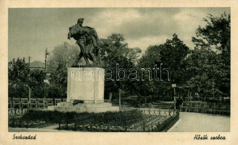 Szekszárd, Hősök szobra