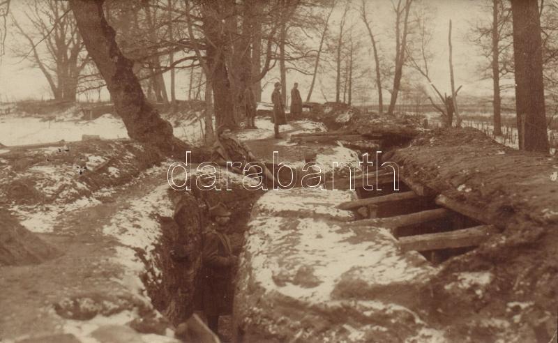 1916 Első világháborús magyar katonák a lövészárokban photo, 1916 WWI Hungarian soldiers in trench, photo