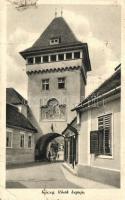 Kőszeg, Hősök kapuja (fa)