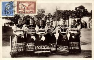 Mezőkövesdi népviselet, Hungaian folklore from Mezőkövesd