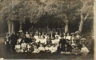 Budapest II. Máriaremete, hittan vizsga után, csoportkép, photo (EB)