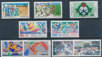 1982-1990 Sport motívum 9 db bélyeg, közte sorok