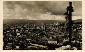 Pécs látképe a havihegyről