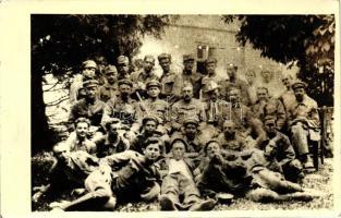 Resting Hungarian Red Army soldiers at the time of the Hungarian Soviet Republic, photo, 1919 Életkép a Tanácsköztársaság időszakából; a Vörös Hadsereg katonái pihennek