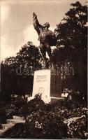 Gödöllő, Hősi emlékmű, Krummer photo