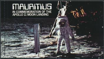 1979 Apollo 11 öntapadós bélyegfüzet Mi 477-479