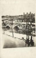 1917 WWI K.u.K. infantry soldiers on a bridge photo, 1917 katonák a hídon, fotó