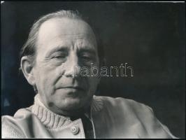 1977 és 1987 Kolozsvári Grandpierre Emil (1907-1992) Kossuth-díjas író, 3 db portréfotó, kettő feliratozva, 18x24 cm