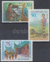 1971 Turizmus sor Mi 685-687