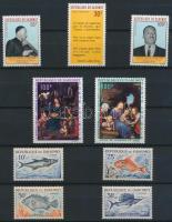1965-1969 26 db bélyeg, közte teljes sorok 4 lapos kis berakóban