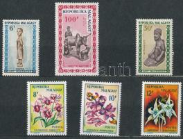 1962-1965 17 db bélyeg, közte teljes sorok 2 lapos kis berakóban