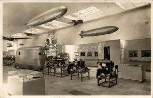 Zeppelin Museum Friedrichshafen, Ausstellungsraum / Zeppelin airship museum interior