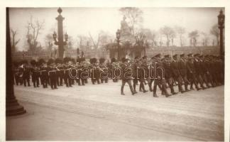 1929 Funerailles du Marechal Foch; Delegations militaires Americaine et Anglaise / the funeral of Marshal Foch