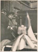 1930 Bp., Aloisio Sincero pápai legátus, aki részt vett a Szent Imre-év rendezvényein, távozik a Károlyi-palotából, pecséttel jelzett, feliratozott fotó, 23x17 cm 1930 Budapest, Hungary, Aloisio Sincero papal legate, 23x17 cm