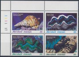 1986 WWF tengeri csigák és kagylók sor ívsarki 4-es tömbben Mi 73-76
