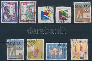 1980-1981 31 klf bélyeg teljes sorokban + 1 blokk 2 stecklapon