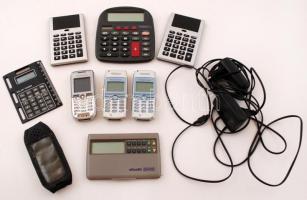 5 db működő számológép , 3 régi mobiltelefon (nem kipróbált), 2 db töltő egy tételben