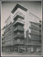 cca 1960 Balzac u. 35. (volt Légrády K. u.) Bánó Ernő fotó, jelzett, 24x17cm