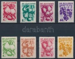 1956-1957 2 klf Gyümölcsök sor Mi 982-985, 1022-1025