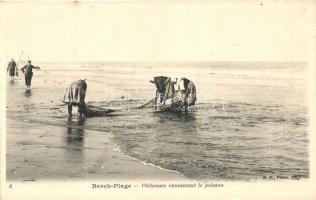 Berck-Plage, Pecheuses ramassant le poisson / fishermen, Halászok, Berck-Plage