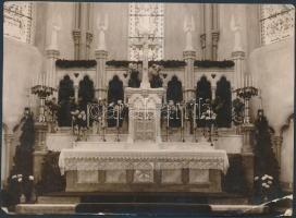 1933 A Bp. XIII. Lehel téri templom oltára. Az oltárt kifaragó Seenger Béla kőfaragó mester sajét kézzel jelzett referencia fotója. (egy sarkán törés) 18x13 cm