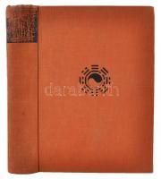 Hatvany Bertalan: Ázsia lelke. 246 képpel. Bp., 1935, Franklin. 448 p. Kiadói egészvászon-kötésben. A kiadói papírborító beragasztva, az első előzék belülről megerősítve.