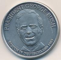 Németország DN A világtörténelem egyéniségei / George Bush - 1989 németországi látogatás fém emlékérem sorszámozott tanúsítvánnyal (32mm) T:1-,2 Germany ND Persönlichkeiten der Weltgeschichte / George Bush - Besuch in Deutschland 1989 metal medallion with numbered certificate (32mm) C:AU,XF