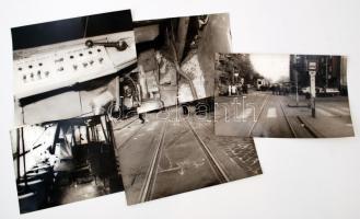 cca 1970 Budapest, A 6-os villamos balesetének helyszíni fotói, 5 db vintage fotó, 19x30 cm és 24x30 cm