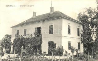 Boldva, villa