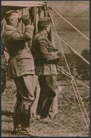 cca 1935-1940 Horthy Miklós kormányzó hadgyakorlaton, korabeli fotó modern másolata, 15x10 cm