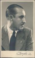 1938 Angelo (1894-1974): Férfi portré, jelzett vintage fotóművészeti alkotás, 14x8 cm,