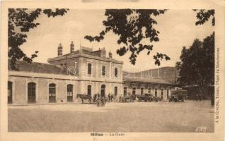 Millau, La Gare / railway station, autobus, truck, horse carriage
