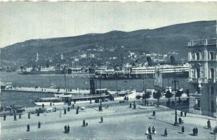 Trieste, Molo Audace e il Porto / Audace pier and the port, liner ship
