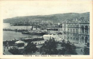 Trieste, Molo Audace e Palazzo della Prefettura, ferrovia / Audace pier, Prefectures Palace, railway locomotive
