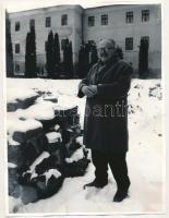 Beke György (álnevei: Faragó György, Bárdócz Gergely) (1927-2007) erdélyi magyar József Attila-díjas író, újságíró, műfordító fotója, 24x18cm