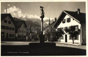 Garmisch-Partenkirchen, Floriansplatz / square with statue