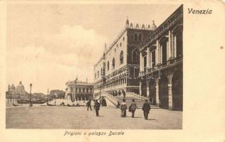 Venice, Venezia; Prigioni e palazzo Ducale / palace