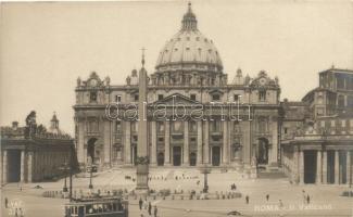 Rome, Roma; Il Vaticano / Vatican, square, tram